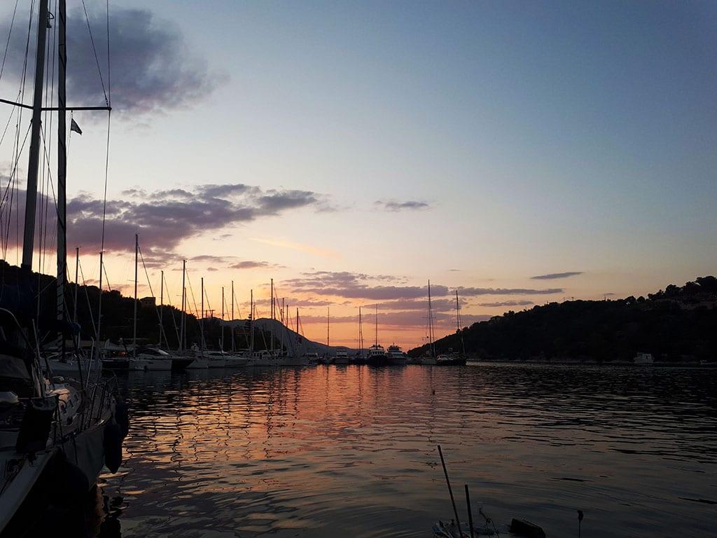 sailchecker-sunset-first day