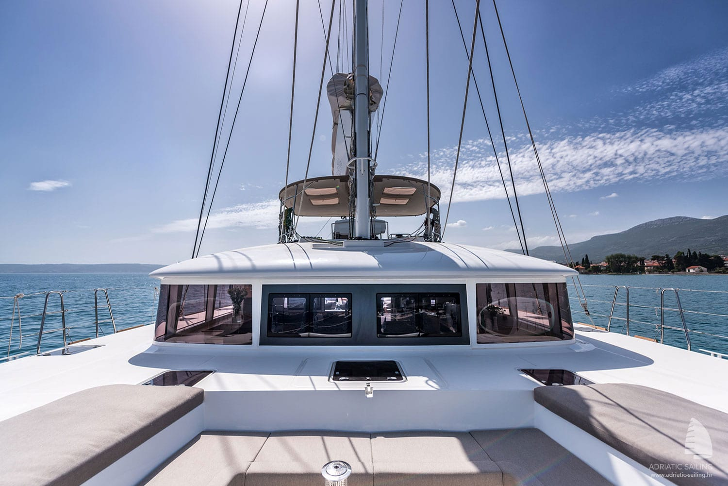 Lagoon 560 - front deck