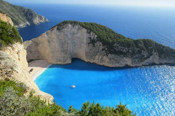 Greece yacht charter to shipwreck bay