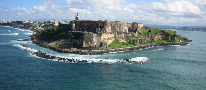 castle and the ocean on a Puerto Rico sailing itinerary